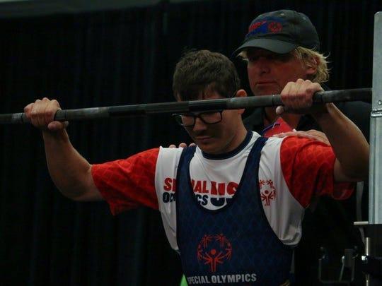 Ben Bednarz gears up for another medal-winning lift