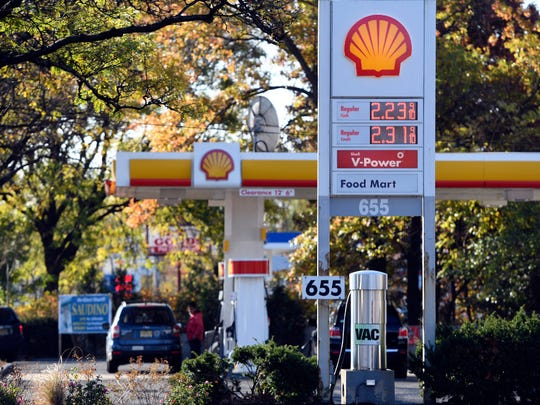 A Shell station on Route 17 in Paramus on Nov. 1, 2016.