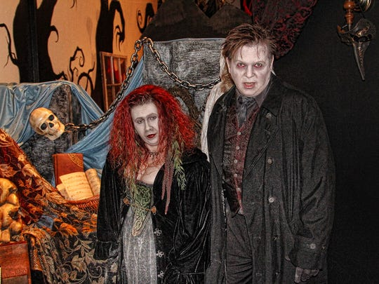 """Mimi and Donald Webb as Akasha and Marius from Anne Rice's 1998 novel """"Queen of the Damned."""""""