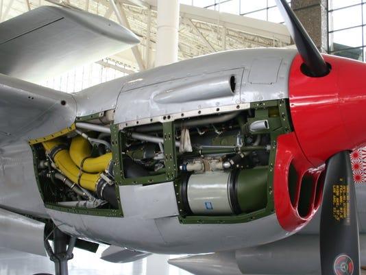 Lightning Allison V-1710 1475 hp.jpg