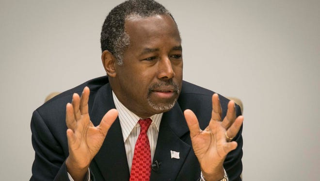 Republican presidential candidate Ben Carson meets with the Des Moines Register editorial board Jan 6, 2015, in Des Moines, Iowa.