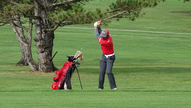 Nic Ratliff and the Bucks open their golf season this week at their home invitational.