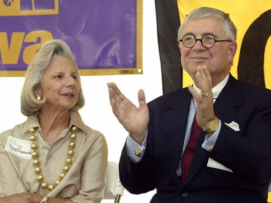 John and Mary Pappajohn take part in groundbreaking ceremonies for The John and Mary Pappajohn Higher Education Center in Des Moines in 2003.