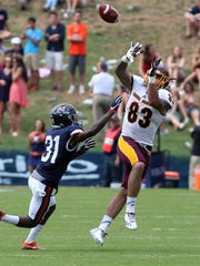 Central Michigan tight end Tyler Conklin plays against