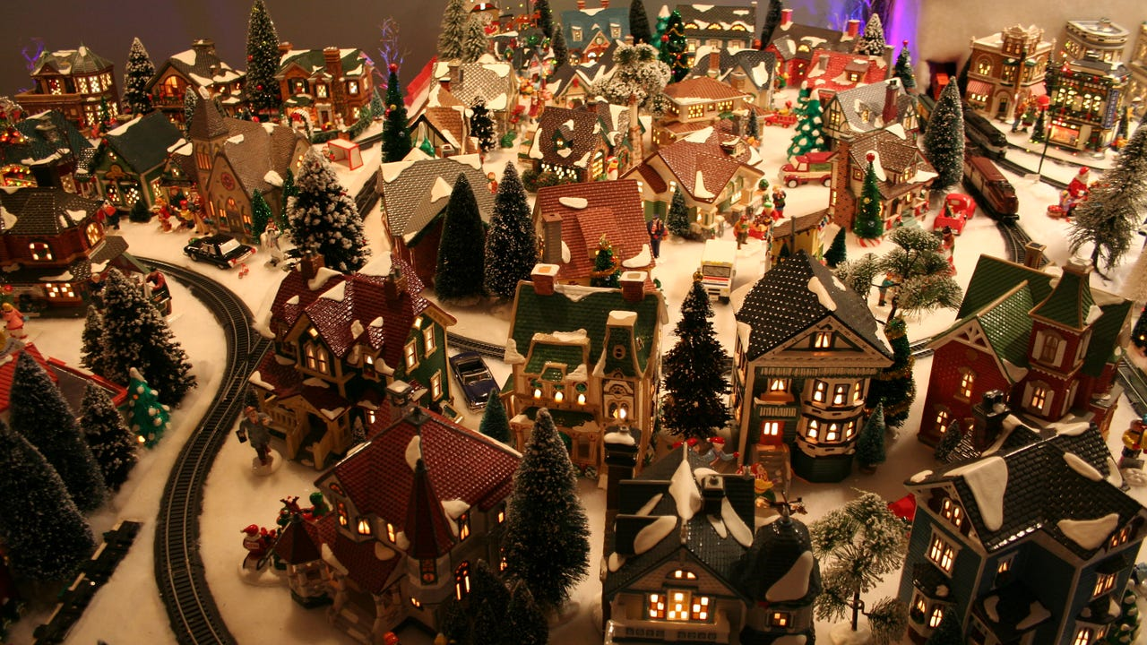 Christmas Villages.Watch Miniature Christmas Villages Goes Major In Monroe