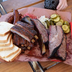 Austin food trailer serves smokin' Texas barbecue