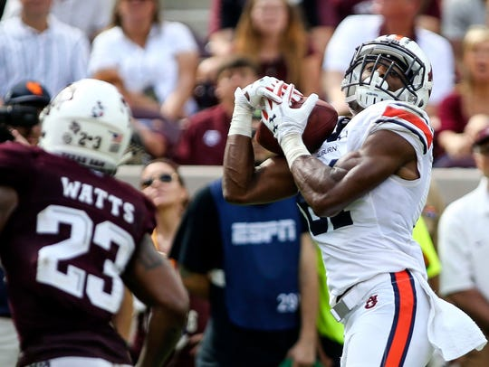 Auburn Tigers wide receiver Darius Slayton (81) makes