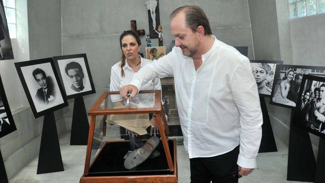 Mario Moreno Ivanova dejó el nombre de su padre y todo su legado en Manos de Tita Marbez, su última esposa, con la que por cierto, ya no vivía, estaban separados cuando él murió.