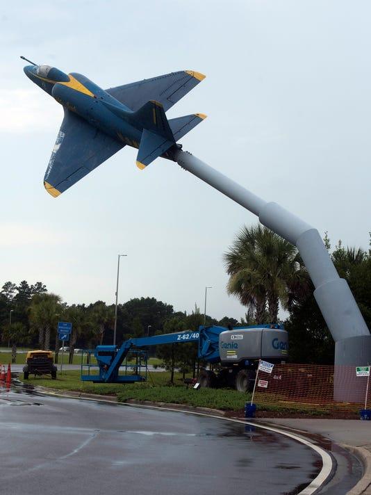 I-10 Reststop-Airplanes
