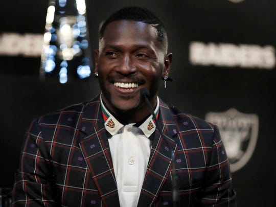 Raiders_Antonio_Brown_Football_45068.jpg