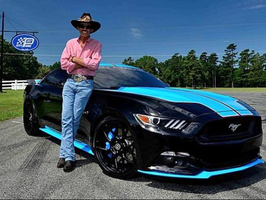 Richard Petty Mustang >> Richard Petty boosts Ford Mustangs to 727 horsepower