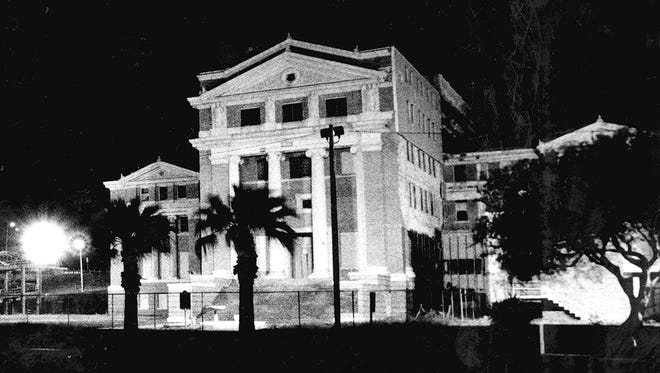 The 1914 Nueces County Courthouse in October 1992.