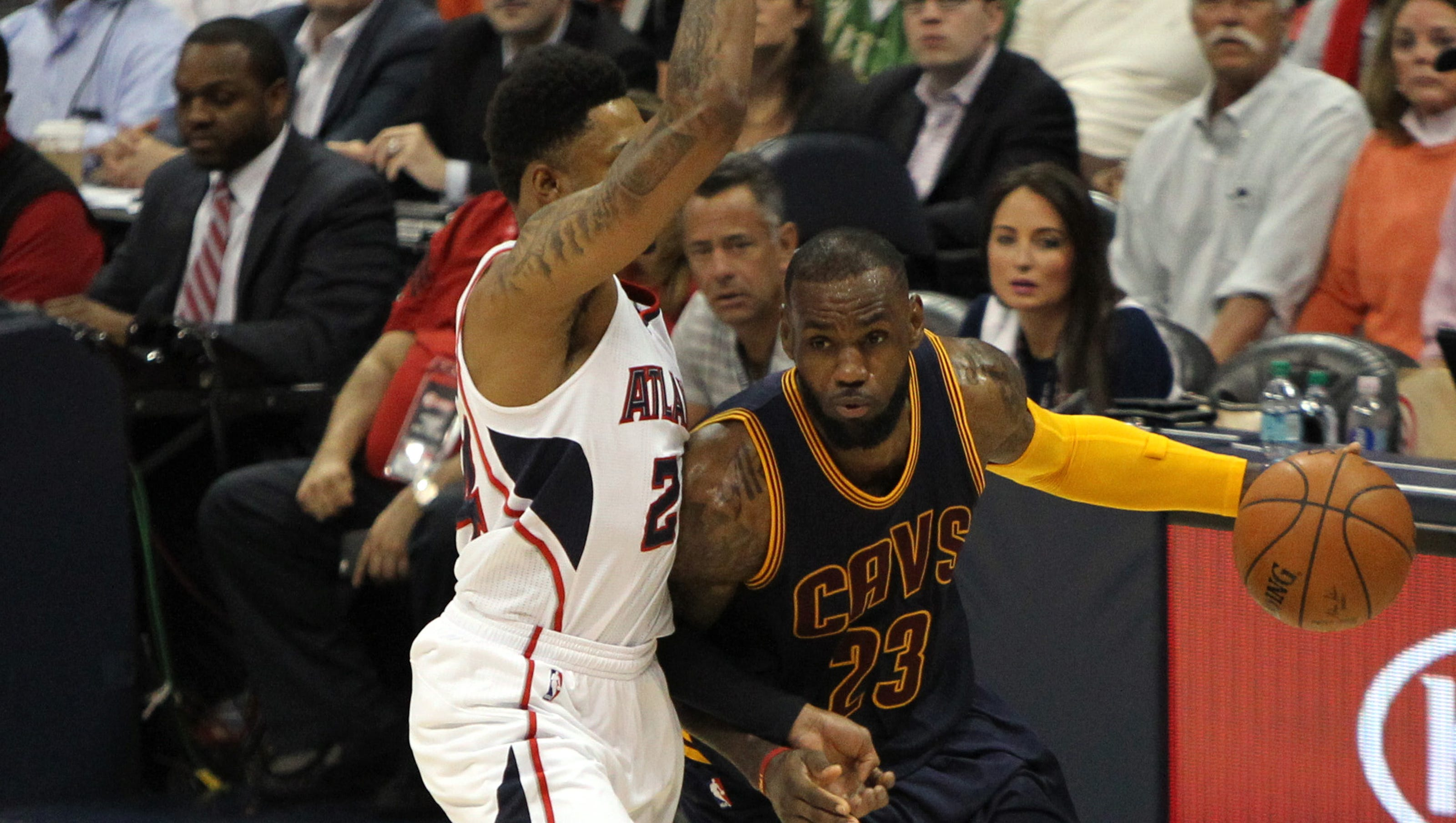 Cavaliers beat Hawks in Eastern Conference finals Game 1