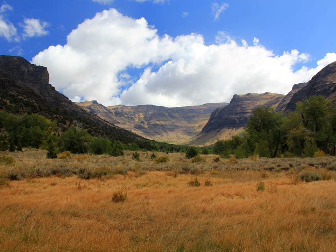 The far end of Big Indian Gorge is a beautiful glacial basin in Steens Mountain.