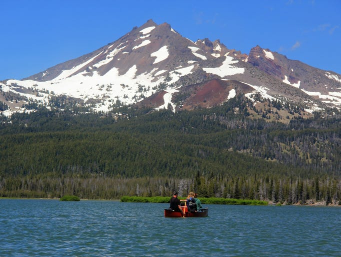 Broken Top rises over Sparks Lake, a popular place for canoeing, kayaking and SUP in the Central Oregon Cascades west of Bend.  Zach Urness / Statesman Journal Broken Top rises over Sparks Lake, a popular place for canoeing, kayaking and SUP in the Central Oregon Cascades west of Bend.