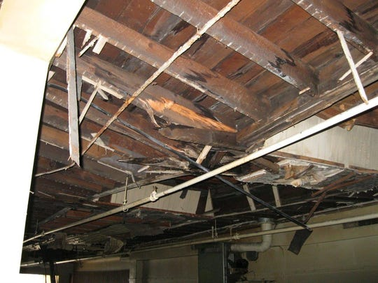 SOUTH BUILDING ROOF 02.jpg