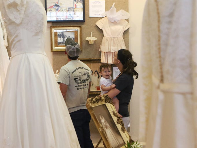 Something Old\': Farmerville museum shows Union Parish wedding dresses