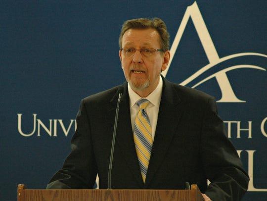Tom Tveidt of Syneva Economics discusses the economic