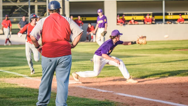The St. Landry Bank Indians fell to Gauthier Amedee on Tuesday, 7-6.