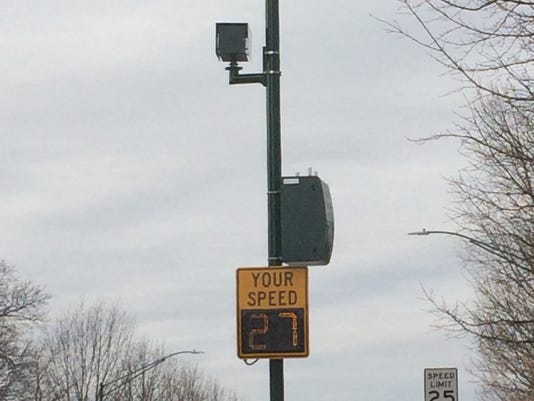 636198305515540358-speedsign.jpg