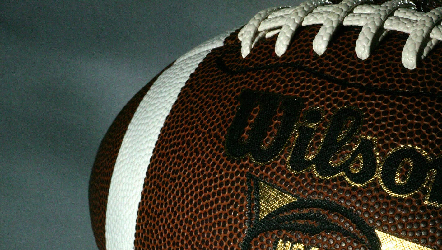 Study: Tackle football before age 12 leads to brain issues