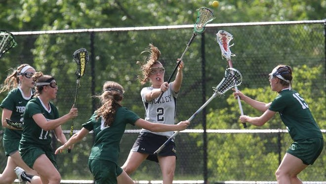 Sammy Mueller, pictured here playing for Hackley in 2015, was named an IWLCA First Team All-American on Wednesday.