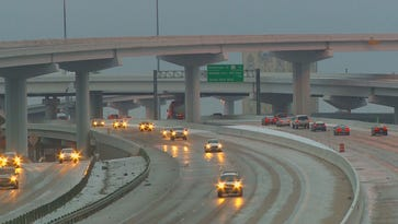 Atlanta hunkers down as winter storm sweeps the South