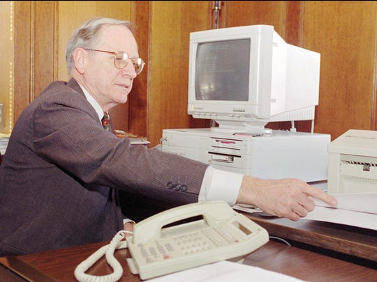 Judge David Grossmann works at his computer in his Cincinnati office Friday, March 10, 1995. Grossmann was administrative judge of Hamilton County's juvenile court division.