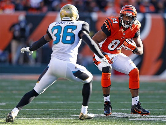 Bengals tight ends Jermaine Gresham attempts to run
