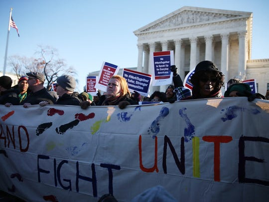 Pro-union protesters rally in front of the Supreme