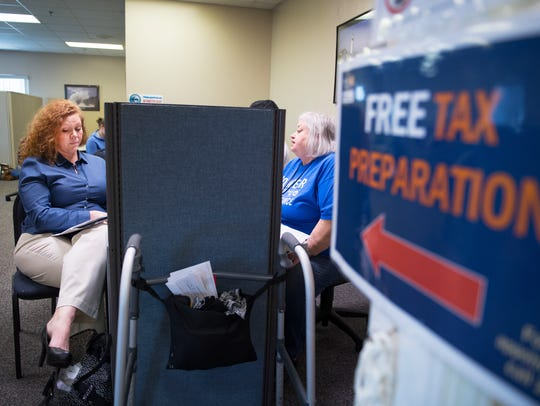Dana Evans gets her taxes done for free by United Way
