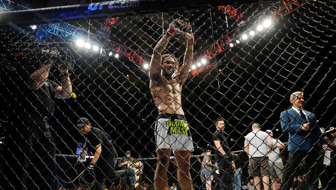 """Benson Henderson credits his consistency to a healthy training environment. Fighting out of The MMA Lab in Phoenix under the tutelage of coach John Crouch, """"Smooth"""" believes his gym is one of the best in the world."""