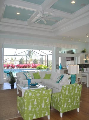 The Jasmine Grande opens up into a huge space that then opens onto the lanai.
