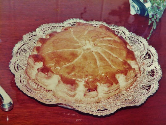 636195957472600899-French-king-cake-G-teau-Pithiviers-by-Chef-Celia-Casey.JPG