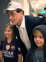 Young fans stop actor and producer Benicio del Toro