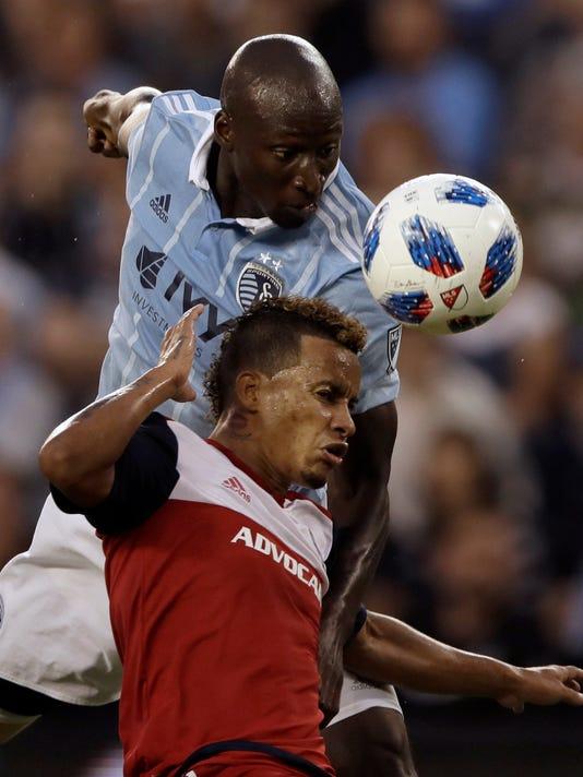 APTOPIX_MLS_FC_Dallas_Sporting_KC_Soccer_65281.jpg