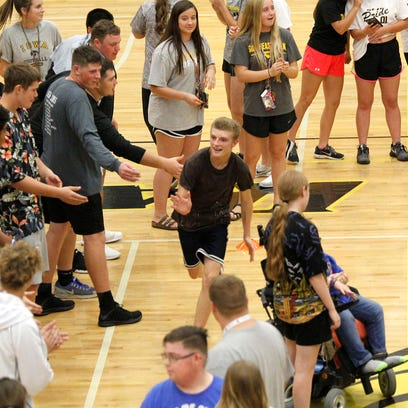 Best Buddies blossom during Southeast Polk homecoming week