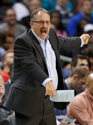 Pistons coach Stan Van Gundy directs his team against the Hornets in Charlotte, N.C., Wednesday, Dec. 7, 2016.