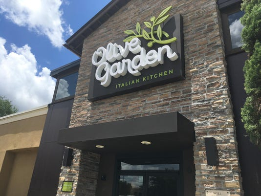 Low prices, young diners fuel Olive Garden comeback