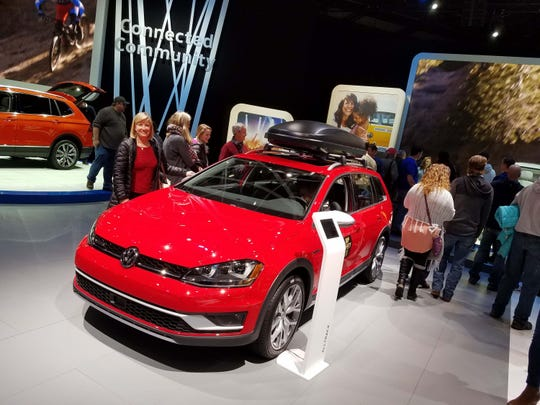 wagon_VW_Alltrack_naias17