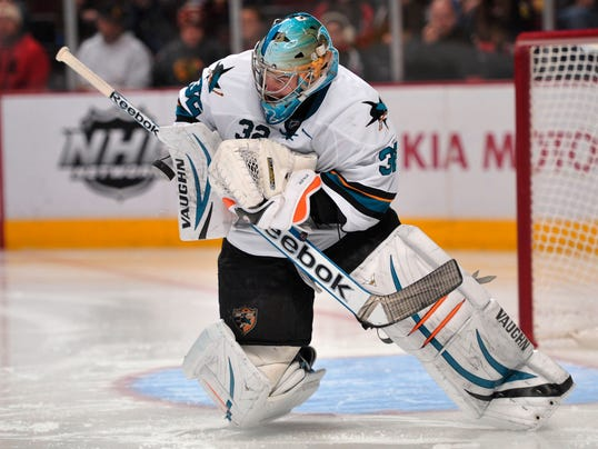 Sharks Top Blackhawks In Chicago For 1st Time In 3 Years Behind Solid Alex Stalock Performance