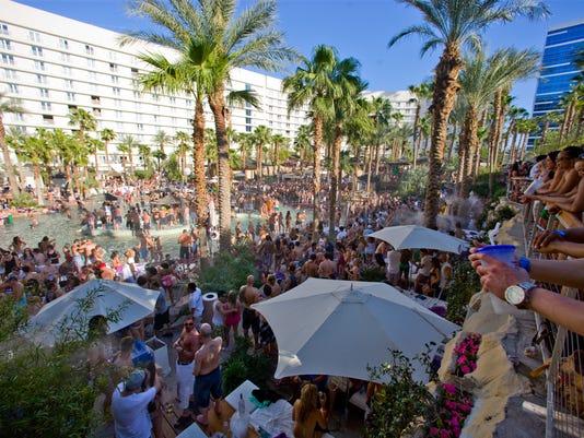 A Guide To The Best Vegas Pools | lasvegasjaunt.com