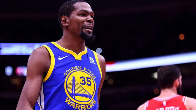 Golden State Warriors forward Kevin Durant reacts during the second half against the Chicago Bulls.