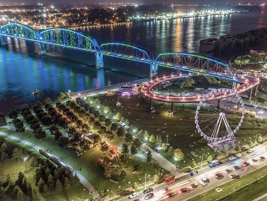 ferris wheel comes to louisville waterfront in time for kentucky derby