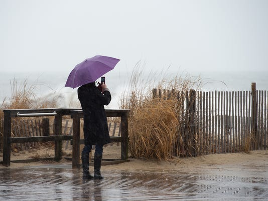 News: Storm at the beach