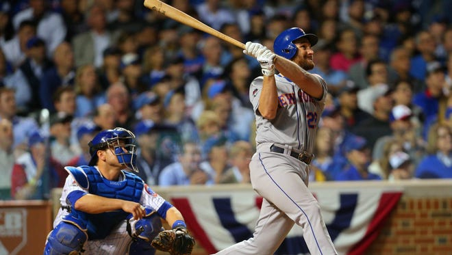 Daniel Murphy hits a two run home run in the eighth inning -- his sixth straight game with a homer.
