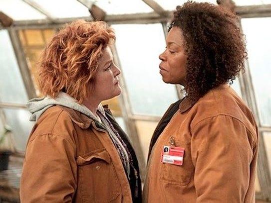 Red (Kate Mulgrew, left) and Vee (Lorraine Toussaint)