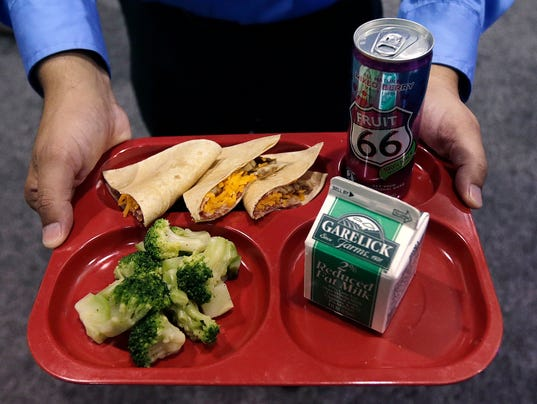 AP SCHOOL LUNCHES A USA MA