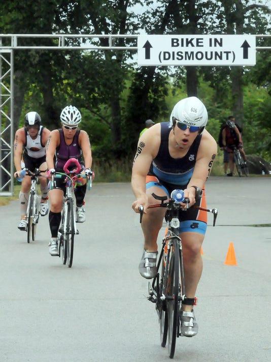 -DCA 0716 triathlon preview 4.jpg_20140714.jpg