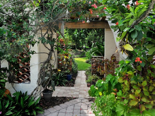Lush Garden Completes 1920s Indialantic Home